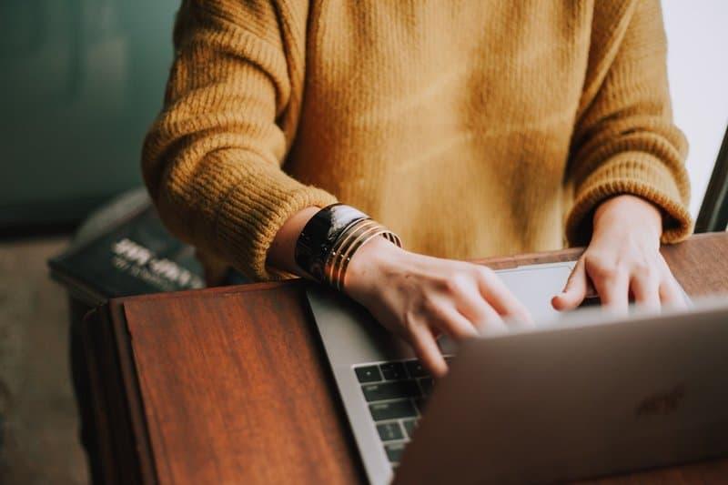 Zdecydowanie się na najtańszą ofertę pozycjonowania często powoduje, że musimy później więcej zapłacić za odratowanie kondycji witryny.